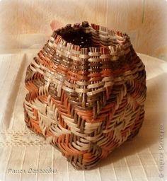 плетение из газетных трубочек-2 on Pinterest | Wicker, Wicker ...