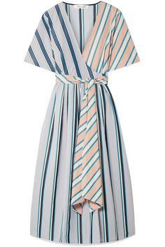 Trend of the alarm: pajama lines - Summer Outfits Casual Outdoor Weddings, Dress Skirt, Wrap Dress, Knot Dress, Apron Dress, Mode Kimono, Herzogin Von Cambridge, Diane Von Furstenberg Dress, Summer Outfits