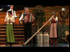 Melanie Oesch yodels, Lisa Stoll plays the Alpine Horn, great medley of ...