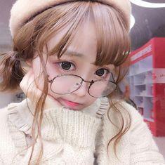 Cute wavy corn hot wig YV40423 Korean Girl, Asian Girl, Disney Tangled, Aesthetic Makeup, Art Studies, Kawaii Girl, Ulzzang Girl, Poses, Korean Beauty
