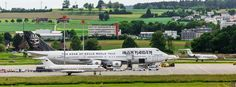 Iron Maiden's Ed Force One vs. Angela Merkel's official government aircraft