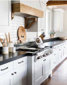Nice 55 Best Modern Farmhouse Kitchen Cabinets Remodel Ideas https://insidedecor.net/56/55-best-modern-farmhouse-kitchen-cabinets-remodel-ideas/ #kitchenremodels