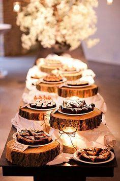 Dessert buffet for rustic wedding reception. Buffet Dessert, Deco Buffet, Rustic Buffet, Dessert Tables, Food Buffet, Dessert Bars, Dinner Dessert, Food Tables, Dessert Ideas