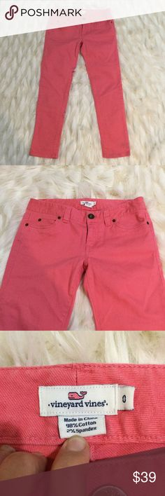 VINEYARD VINES PINK CROPPED JEAN PANTS 0 VINEYARD VINES: cropped pink jeans. Super adorable in excellent condition. Size 0. Vineyard Vines Pants Ankle & Cropped