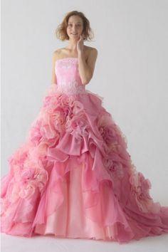 6321f4fd672ab 見事な ピンク ストラップレス オーガンザ ティアード フリル アップリケ 編み上げ フロアー丈 ボールガウン カラードレス Cly0033