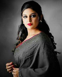 Indian Long Hair Braid, Braids For Long Hair, Beautiful Curves, Beautiful Saree, Massage Girl, Saree Photoshoot, Most Beautiful Indian Actress, Indian Beauty Saree, India Beauty