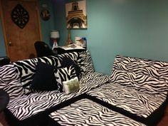 Zebra couch! Love love love