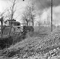 British Army, British Tanks, Armored Vehicles, Churchill, Sicily, World War Ii, Crocodile, Railroad Tracks, Military Vehicles