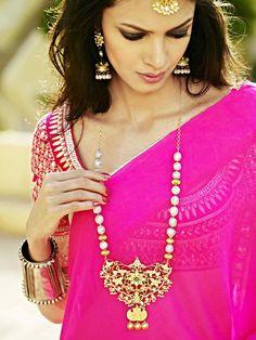 Royal Rajasthani Gold Jewellery, Gota Patti Blouse and a Plain Saree