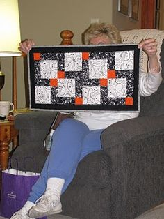 The Secret Life of Mrs. Meatloaf: Disappearing nine-patch. A great example of this quilt technique.