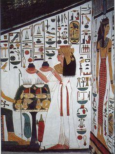 Queen Nefertari making offerings