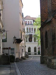Mitte: Verwinkelter alter Stadtkern Berlins mit Kopfsteinpflaster >>Nikolaiviertel - Berlin
