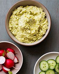 The buttery texture of lima beans make an outstanding smooth and creamy hummus. Serve them up with some vegetables, or healthy crackers, and you have the perfect party dip. Meze Recipes, Vegan Recipes, Snack Recipes, Cooking Recipes, Vegan Meals, Potato Recipes, Yummy Recipes, Diet Recipes, Lima Bean Hummus Recipe