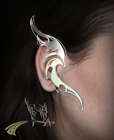 These Striking Ear Cuffs Look Like They Were Crafted In Rivendell Ear Jewelry, Jewelry Art, Jewelery, Jewelry Accessories, Fashion Accessories, Jewelry Design, Fantasy Jewelry, Gothic Jewelry, Elf Ear Cuff