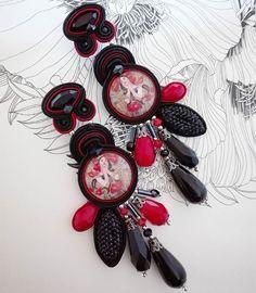 Poppy girl. Let the week begins! #adelslaboratory #alessandradelvitto #mucha #adeloriginal #costumejewelry #bijoux #accessori #gioielleriaalternativa #lab #atelier #soutache  #soutacheearrings #earrings #orecchini #fashion #fashionjewelry #fashiondesigner #fashionblogger #moda #milano #varese #nyc #miami #losangeles #paris #london #handmade #handembroidered #madeinitaly