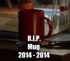 The most painful death on the show so far, Barry's coffee mug R. The Flash Rip Hunter, Fandoms Unite, Arrow Flash, Series Dc, The Flashpoint, Superhero Shows, Superhero Memes, Flash Funny, Flash Barry Allen