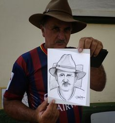 AQUINO: Desenho ao vivo na praça / Drawing live in the squ...