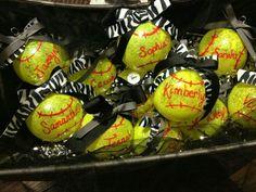 softball ornaments for end of fall ball season (cute for baseball too) Softball Team Gifts, Softball Party, Softball Crafts, Baseball Gifts, Girls Softball, Softball Players, Baseball Mom, Softball Stuff, Softball Cheers