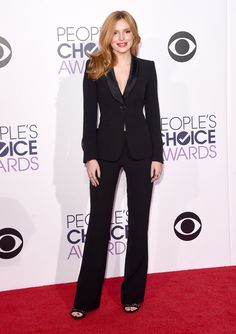 bella thorne in armani at the 2015 people's choice awards. #peopleschoice