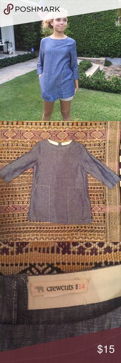 """J. Crew Crewcuts Girls Tunic Chambray a-line tunic with cute front pockets.  1 of 3 buttons on back enclosure is missing. model is 5'-6"""" and a size 0.  this shirt is a kids 14. Crewcuts Shirts & Tops Blouses"""