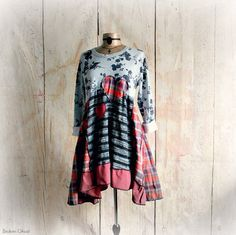 Upcycled Tunic Dress Country Clothes Slouchy Shirt Floral Sweatshirt Red Plaid Lagenlook Top Women's Heart Shirt Rustic Clothing M 'DARBY'
