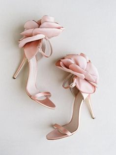 wedding shoes photography If Peonies Are Your Fave Bloom, Then You NEED to See These One-Of-A-Kind Wedding Shoes Unique Wedding Shoes, Designer Wedding Shoes, Elegant Wedding, Pink Wedding Shoes, Stilettos, Heels, Look Fashion, Fashion Shoes, Men Fashion