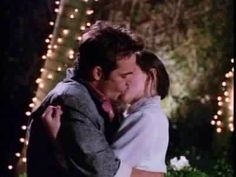 Brenda Walsh (Shannen Doherty) Dylan McKay (Luke Perry) Beverly Hills 90210 First Kiss romance television