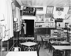 Original Home Run Inn Pizza in Chicago - Photo: circa 1947-1971