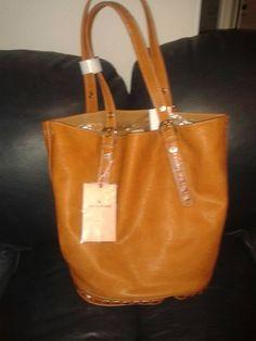 Aintzanika nos acaba de mandar esta foto de su premio: un bolso perfecto para el verano :)  ¡Enhorabuena! :D