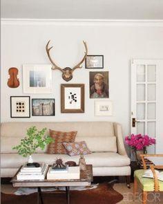 Living Room of Devin Kirk, vp of merchandising for Jayson Home & Garden. Photographer: William Abranowicz for Elle Decor