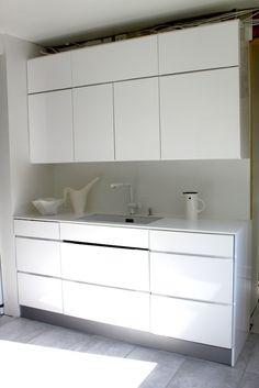Ei vetimiä Double Vanity, Bathroom, Eggs, Washroom, Full Bath, Bath, Bathrooms, Double Sink Vanity