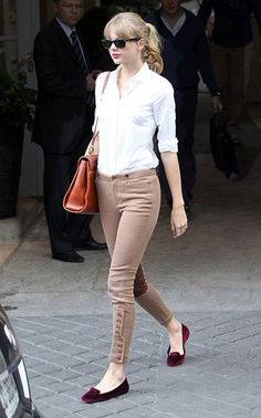 Who: Taylor SwiftWhat: Ralph Lauren pants and shoes, Mark Cross bag, and Ray-Ban sunglassesWhere: On the street, ParisWhen: October 2, 2012