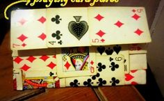 Playing cards purse * free tutorial with pictures on how to make a paper wa Craft Tutorials, Craft Projects, Projects To Try, Craft Ideas, Playing Card Crafts, Paper Purse, Casino Theme Parties, Casino Party, Deck Of Cards