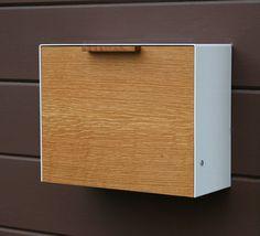 Moderne große Mailbox White Oak und Edelstahl von CeCeWorks auf Etsy