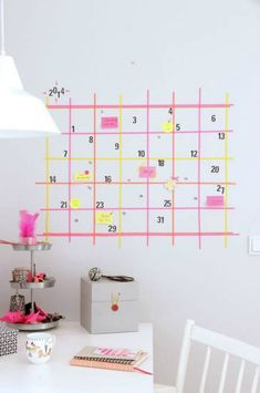 Brighten up your walls with our clever washi tape calendar ideas! You can whip up your own calendar with just washi tape and sticky notes, cool right? Diy Wand, Diy Washi Tape Wallpaper, Washi Tape Mural, Masking Tape Wall, Washi Tape Calendar, Deco Tape, Calendrier Diy, Mur Diy, Dorm Room Walls