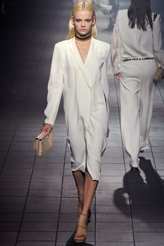 Lanvin Spring 2012 Ready-to-Wear Fashion Show - Ginta Lapina (Women)