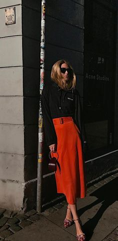From bright marigold to fiery fuchsia and burnt cinnamon, SS17 is glowing with sunset hues. Look to the street for a lesson in how best to pull them off, with our 6 favourite styling trends that tackle colour with fresh fashion appeal.