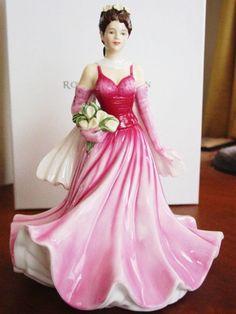 "Royal Doulton Pretty Ladies ""A PERFECT GIFT"" Figurine HN5553."