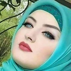 Beautiful Muslim Women, Beautiful Hijab, Beautiful Eyes, Amazing Eyes, Muslim Beauty, Arab Women, Beautiful Blonde Girl, Text On Photo, Hijab Dress