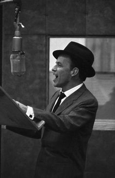 Frank Sinatra photos, including production stills, premiere photos and other… Dean Martin, Sound Of Music, Music Is Life, Vintage Hollywood, Classic Hollywood, Franck Sinatra, Music Icon, Popular Music, Cry Baby