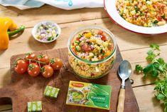 Sałatkę kuskus możesz podawać na obiad - jest taka sycąca i szybka w przygotowaniu! Pachnące pomidorki, czosnek, chrupiąca kukurydza i miękka cukinia..