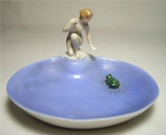 1930s goebels pin dish: nude and frog