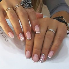 Want some ideas for wedding nail polish designs? This article is a collection of our favorite nail polish designs for your special day. Read for inspiration Pretty Nail Designs, Winter Nail Designs, Nail Polish Designs, Nail Art Designs, Cute Nails, Pretty Nails, My Nails, Hair And Nails, Wedding Nail Polish