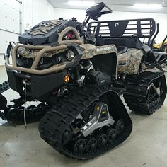 Can-Am 6X6on tracks
