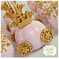 Pretty little pink pumpkin carriage cake pops - Pink Birthday Cake Ideen Carriage Cake, Pumpkin Carriage, Baby Shower Princess, Princess Birthday, Pink Birthday, Sweet Sixteen, Baby Shower Kuchen, Princess Cake Pops, Cinderella Party
