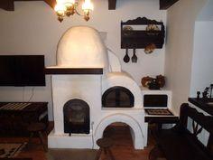 Vrei o casă tradițională ca a lui Doru Munteanu? Uite că-ți dă lista lui cu meșteri | Adela Pârvu - Interior design blogger Vintage Stoves, Design Case, Traditional House, Old Houses, Romania, House Design, Country, Home Decor, Island