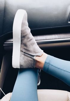 Fall Winter Ankle Boots For Fashion Outfits - Chaussures Femme Ankle Boots, Shoe Boots, Cute Shoes Boots, Daily Shoes, Women's Shoes, Me Too Shoes, Suede Shoes, Dress Shoes, Socks Outfit