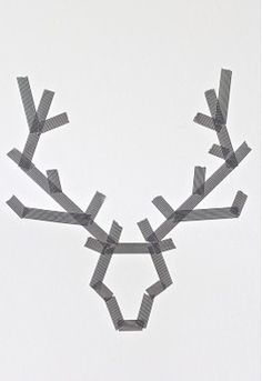 Christmas Art: Make Reindeer with washi tape on a canvas. Paint over it. Peel off tape. Noel Christmas, All Things Christmas, Winter Christmas, Redneck Christmas, Christmas Feeling, Office Christmas, Modern Christmas, Simple Christmas, Holiday Fun