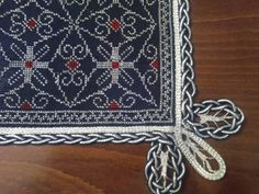 Stitch 2, Cross Stitch, Hgtv, Wallet, Chain, Rugs, Crochet, Lace, Handmade
