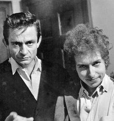 Johnny Cash & Bob Dylan. Um é o mestre da música country norte-americana. O outro um dos músicos mais influentes da história e basicamente um símbolo para o rock.